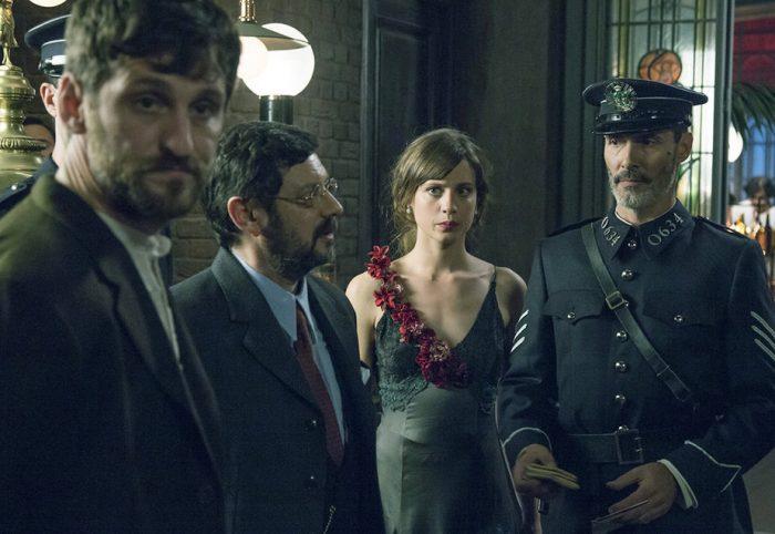 Manolo Solo, Raúl Arévalo y Michelle Jenner en 'El Continental'