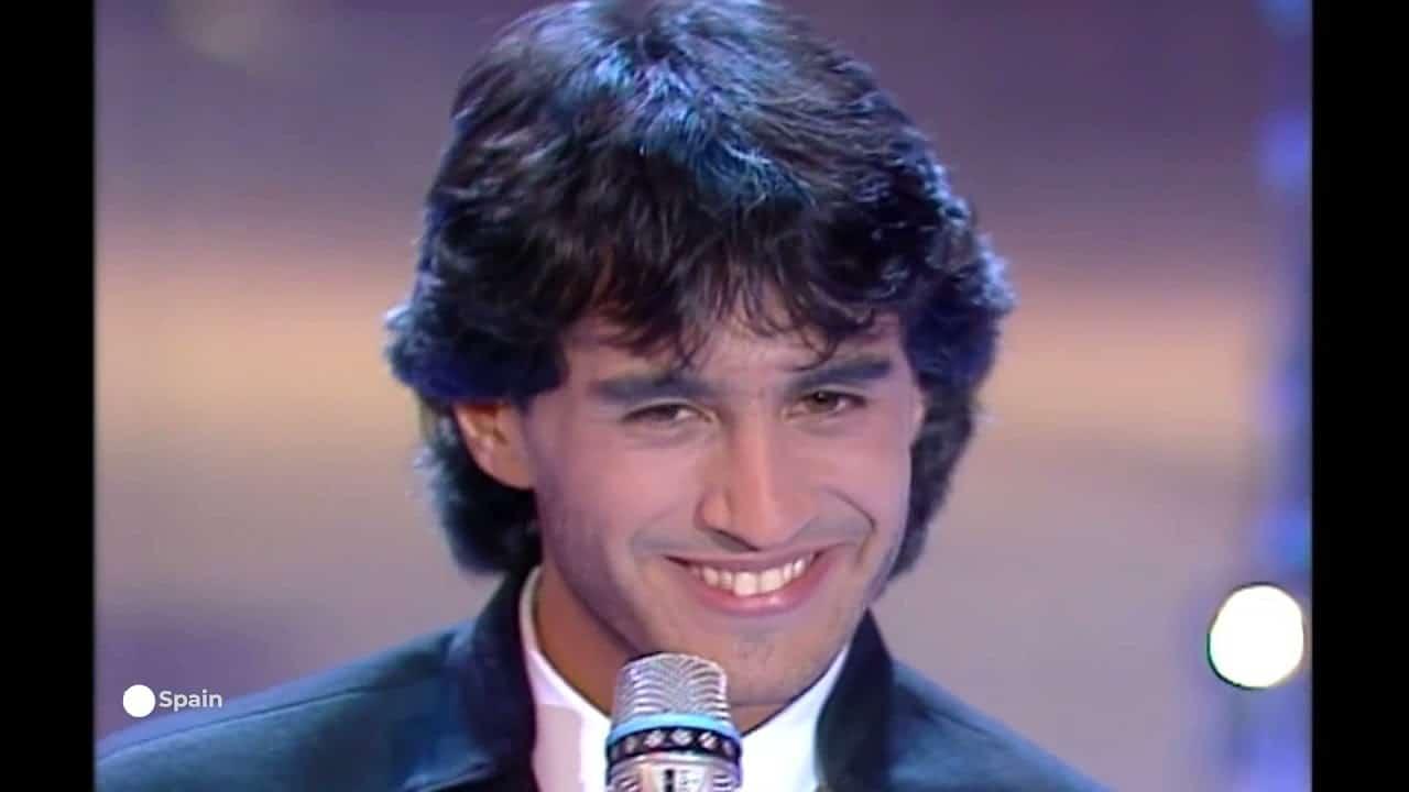 Sergio Dalma durante su participación en Eurovisión en el año 1991
