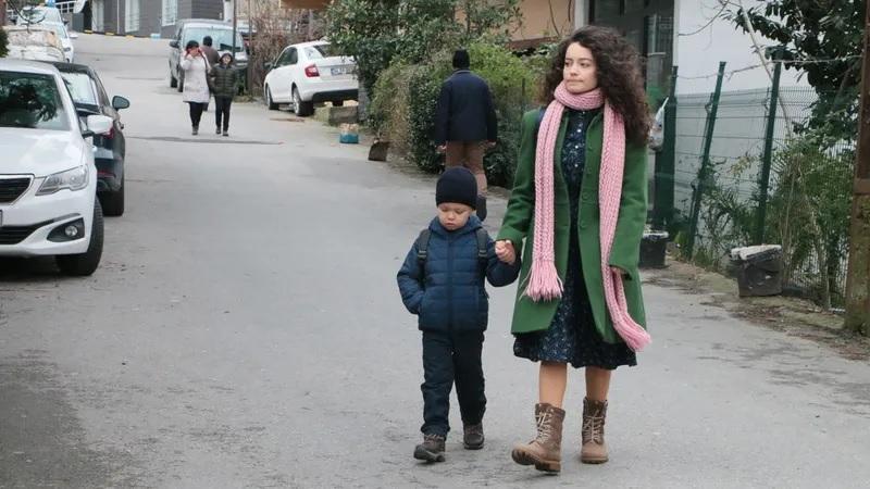 Ömer y su hermana son los protagonistas de Ömer, sueños robados