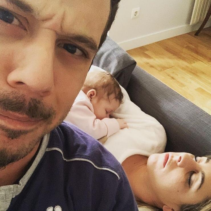 Valeria Ros junto a su novio y su hija